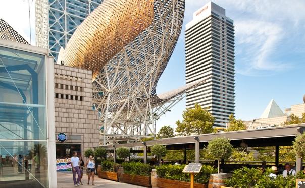 a Gehry motif (bk.asia-city.com)