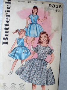 that's me in the middle (Butterick/ebay site)